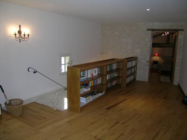 Plancher et Bibliothèque - Cherves Richemont (16)